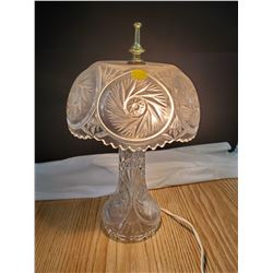 Bavarian style swirl pattern crystal lamp, electric- works