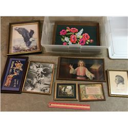 TOTE OF FRAMED PIECES