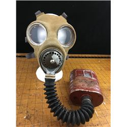 WWII CANADIAN GAS MASK