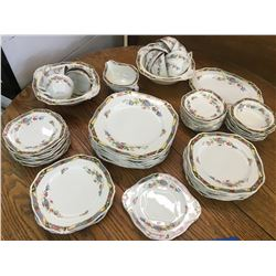 LARGE LOT OF ALFRED MEAKIN DINERWARE LERRETTO PATTERN