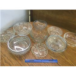 LOT OF GLASS SERVING BOWLS AND DISHES