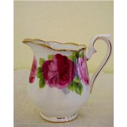 Royal Albert Cream Jug OLD ENGLISH ROSE #859494