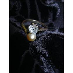 GREAT ANTIQUE VICTORIAN RING W/ DIAMOND & PEARL #896452