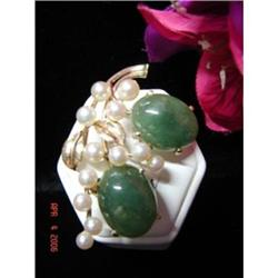 Ming's Honolulu 14k Jade and Pearl Brooch #892888