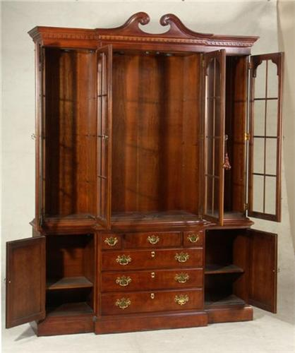 henredon chippendale style china cabinet