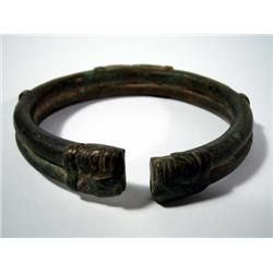 A FINE AND OLD DOGONG COPPER ALLOY BRACELET