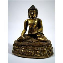 A FINE TIBETAN GILDED COPPER ALLOY BUDDHA,