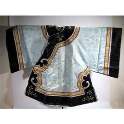 A SUPERB CHING DYNASTY SILK ROBE,