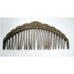 A FINE CHING DYNASTY COMB,
