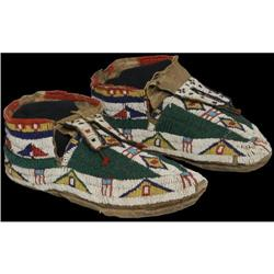 523: Northern Plains Beaded Moccasins
