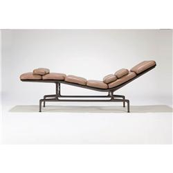 Charles ray eames chaise lounge model no es106 - Chaises charles et ray eames ...