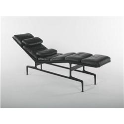 Charles ray eames chaise lounge model no es106 for Charles et ray eames chaise