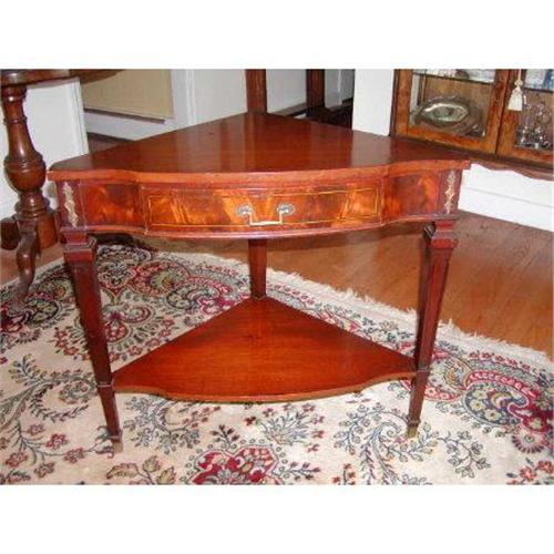 - Antique WEIMAN Flame Mahogany Corner Table #2234697