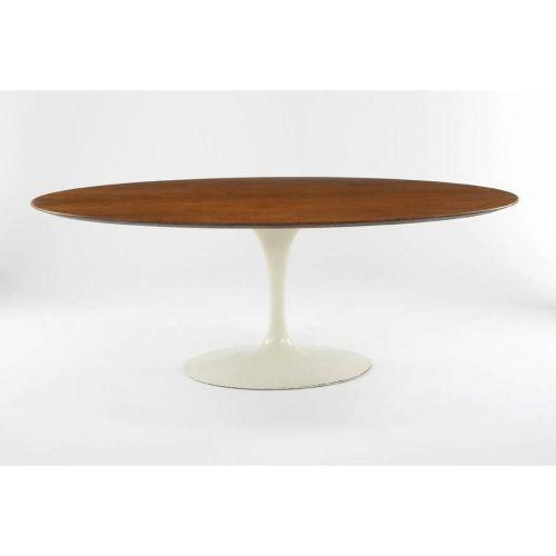 Eero Saarinen Oval Dining Table And Chair - Oval dining table with 6 chairs