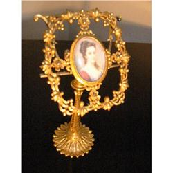 Italian Fiorenza Ormolu Medalion Married Stand!#2394139