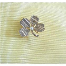 ANT~18K & SEED PEARL 4-LEAF CLOVER PIN/PEND #2379148
