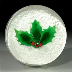 Wheaton Village 1990 Christmas paperweight
