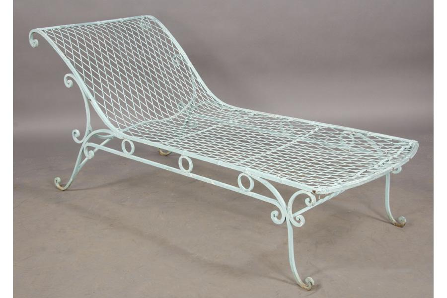 Charming VINTAGE WROUGHT IRON FRENCH GARDEN CHAISE LOUNGE. Loading Zoom