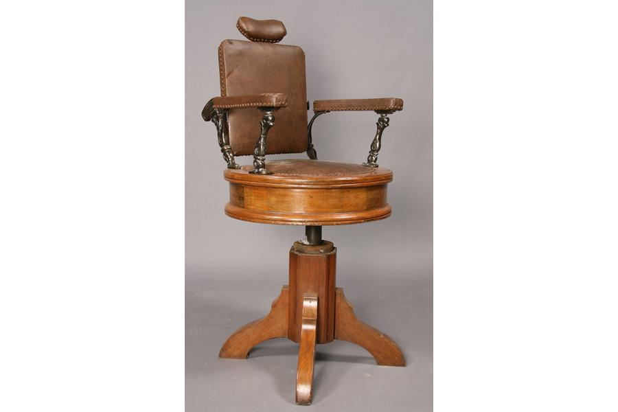 Image 1 : ADJUSTABLE VICTORIAN WOOD BARBER'S CHAIR ... - ADJUSTABLE VICTORIAN WOOD BARBER'S CHAIR