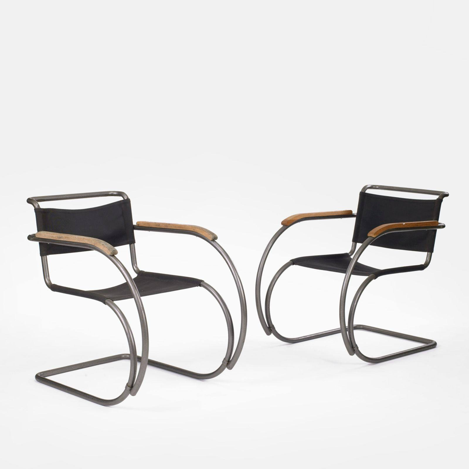 Ludwig Mies van der Rohe MR20 lounge chairs pair
