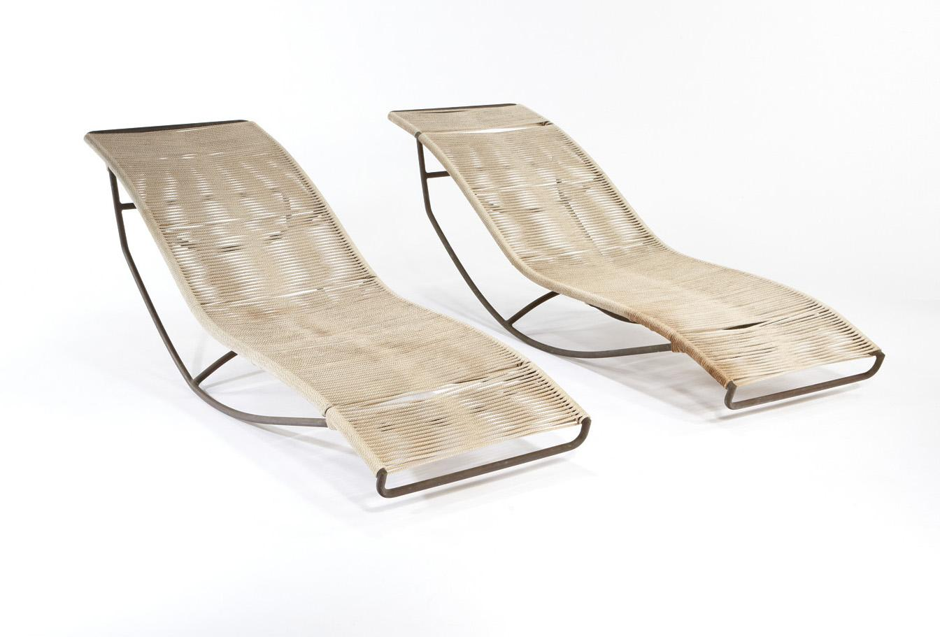 Walter lamb brown jordan pair of chaise lounges wave for Chaise longue wave