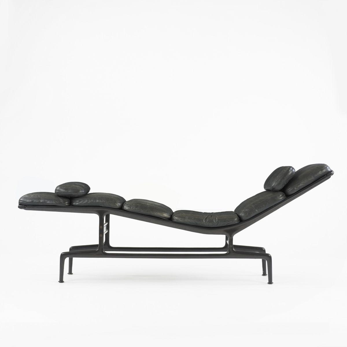 Charles and ray eames billy wilder chaise for Charles eames chaise a bascule