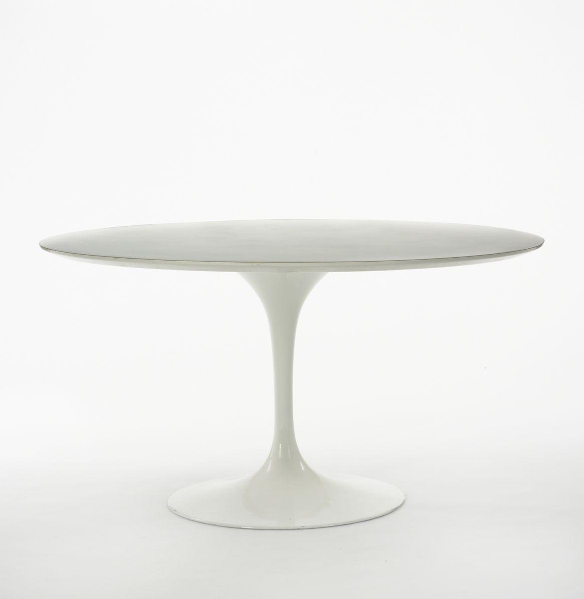 eero saarinen tulip dining table -