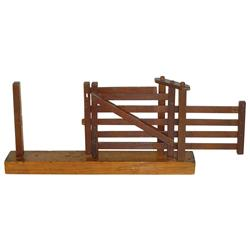 Salesman's sample gate, slides & pivots on center post, wood w/metal latch, unmarked, well made & in