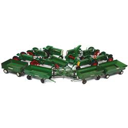 Farm toys (15), all Oliver, Ltd Ed 17 on steel wheels (925/5000), 70 Row Crop, 3 flare wagons, Ertl