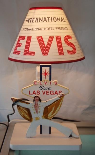 Image 1 : International Hotel Elvis Lamp With Wood Base