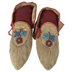how to make iroquois moccasins
