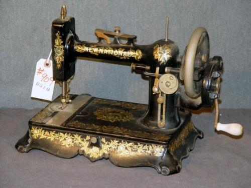 EARLY NEW NATIONAL HAND CRANK SEWING MACHINE Extraordinary New Hand Crank Sewing Machine