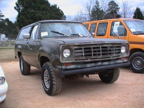 1975 DODGE CHARGER 4X4