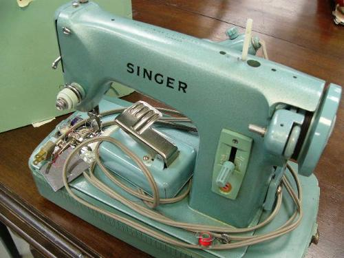 Singer Sewing Machine Portable Green Catalog RFJ4040 Made In Canada 40 Best Singer Green Sewing Machine