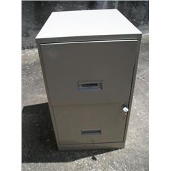 Steelworks metal file cabinet w/key