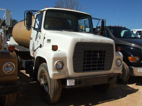 1981 FORD 7500 S/A WATER TRUCK