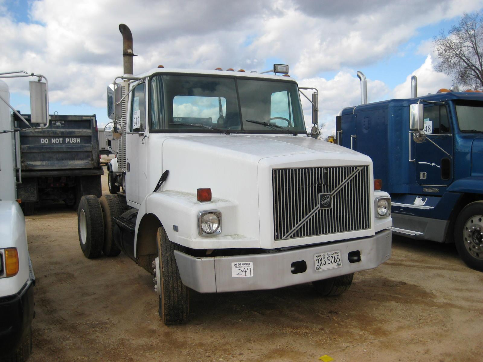 Volvo Single Axle Tractor : Volvo single axle truck tractor j m wood auction