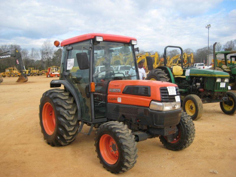 kubota l4330 4x4 farm tractor j m wood auction company inc. Black Bedroom Furniture Sets. Home Design Ideas
