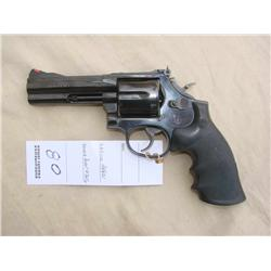 S&W MODEL 586-4, 357 CAL, LOOKS TO BE AS NEW NO  BOX (H)A4621, BSH14356