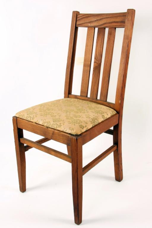 Image 1 : Lot Of 6 Mission Style Dining Room Chairs Marked Wakefeild. In  Overall