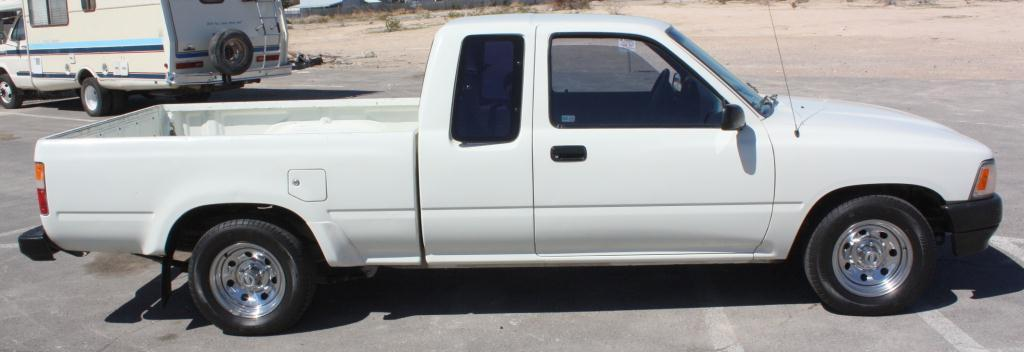 image 4 toyota pick up extra long bed