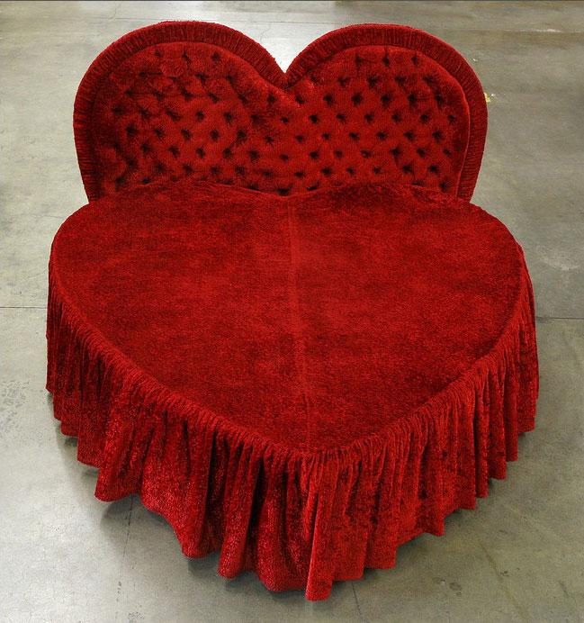 red heart shaped bed and head board. Black Bedroom Furniture Sets. Home Design Ideas