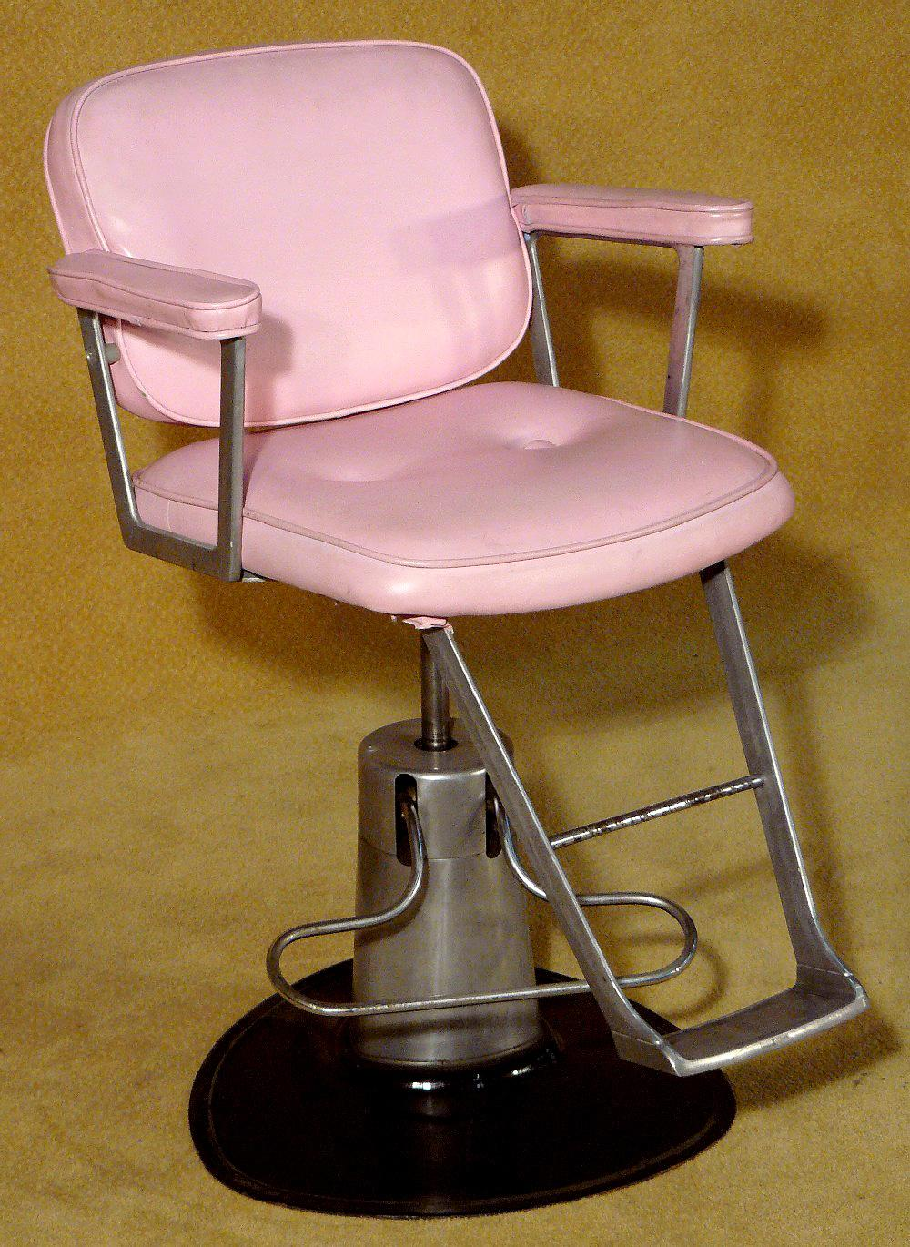 Image 1 : Vintage Beauty Salon Chair Pink X2 - Vintage Beauty Salon Chair Pink X2