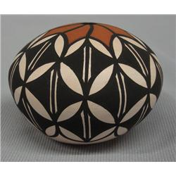 Acoma Miniature Seed Pot By Marcella Augustine