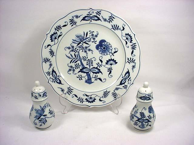 ... Image 2  LOT OF BLUE DANUBE CHINA - 10 Dinner Plates and a ... & LOT OF BLUE DANUBE CHINA - 10 Dinner Plates and a