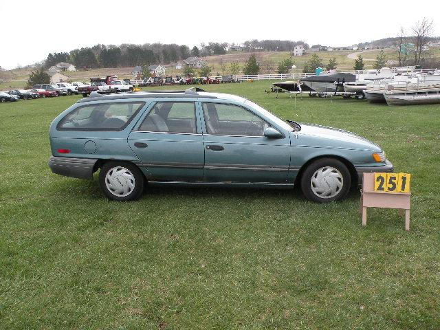 1992 Ford Taurus Station Wagon