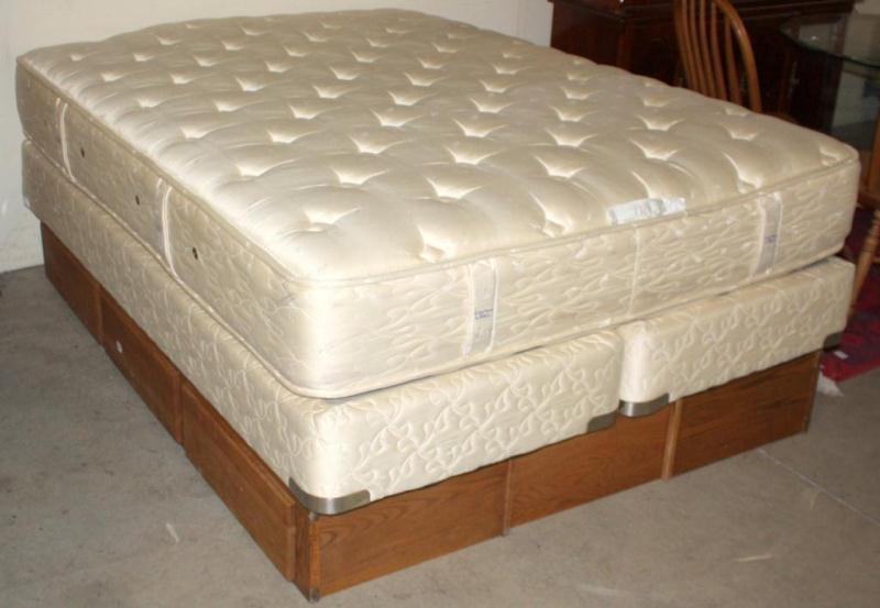 Chattam \u0026 Wells Queen Mattress and Boxspring. Loading zoom Boxspring