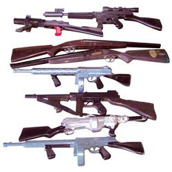 Toy guns (8), includes long range Tommy Gun by Kusan, 2 Tommy Guns by Marx, Invader combination gun