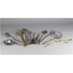 ( 12 ) Pieces Early American Wood & Iron Cooking Utensils