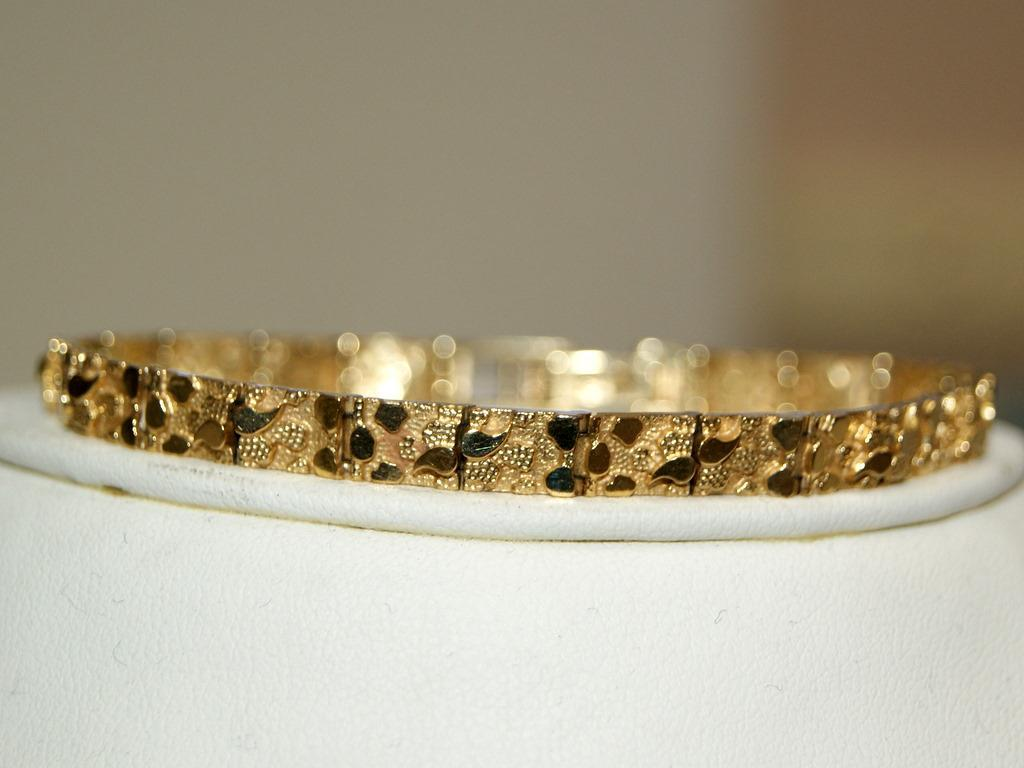 14kt Gold Nugget Bracelet Loading Zoom